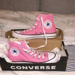 Pink high top Converse size 6.5